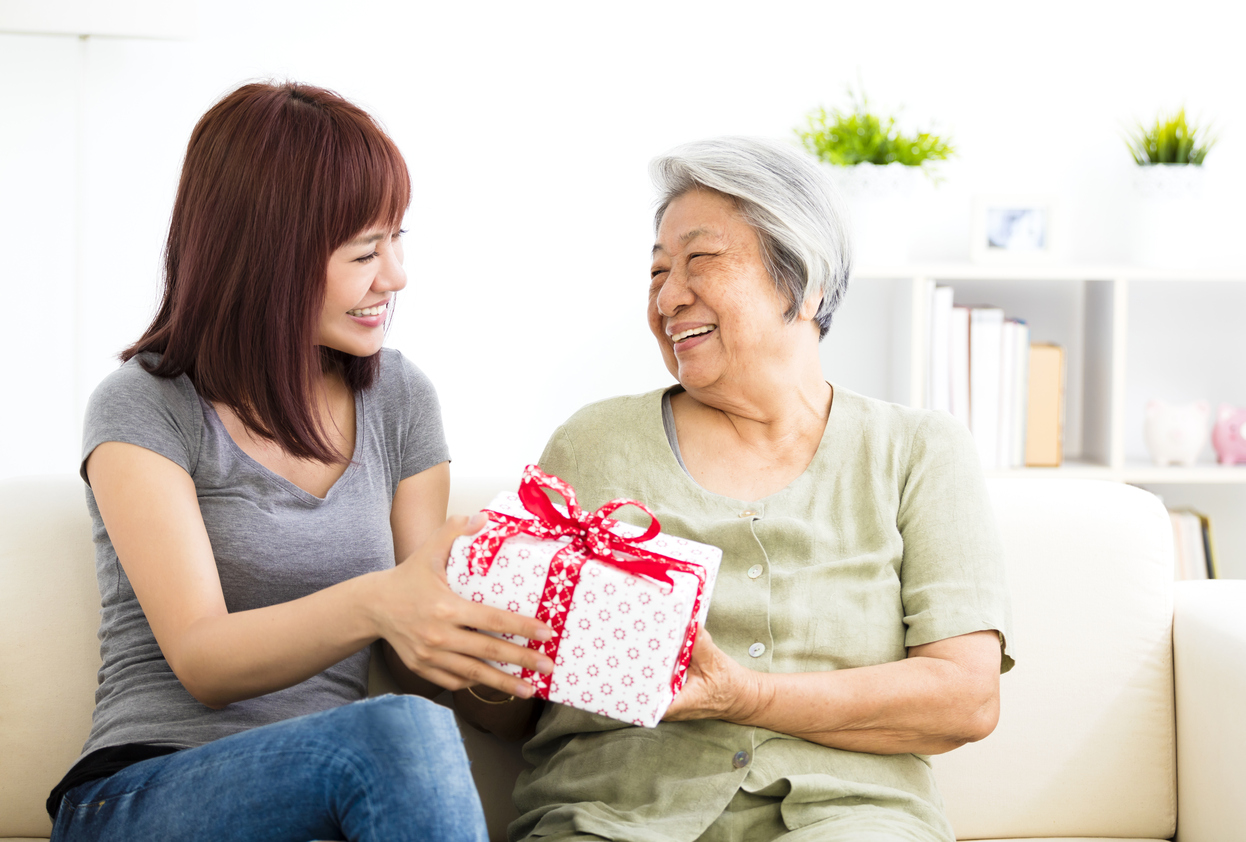 Young Woman Finds the Perfect Gift for Grandmother with Alzheimer's