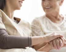 hospice-nurse-with-patient